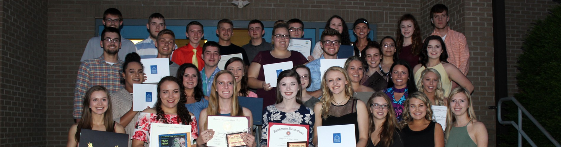 The Senior Awards and Scholarships Program was held on May 9, 2017.  Well done, Class of 2017!!